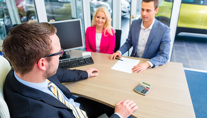 Contractul de leasing pentru o masina: poti negocia pretul?